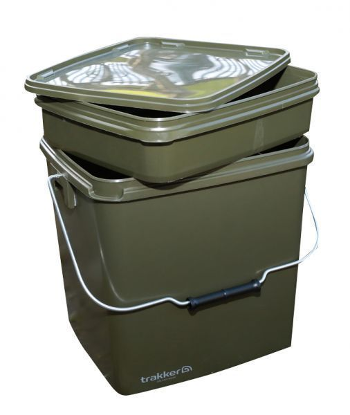 Trakker 13 Ltr Olive Square Containers inc. tray